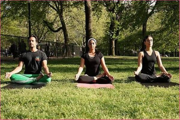 Kareena Kapoor Yoga Styles