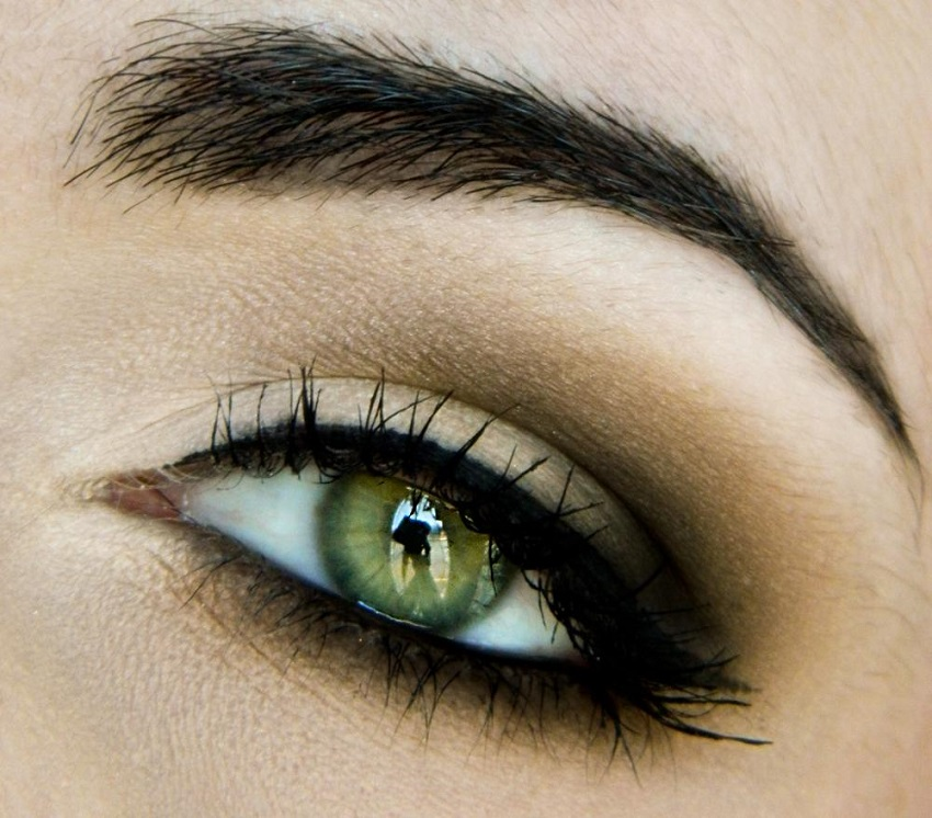 Bridal makeup for green eyes: 5 tips from a make-up artist