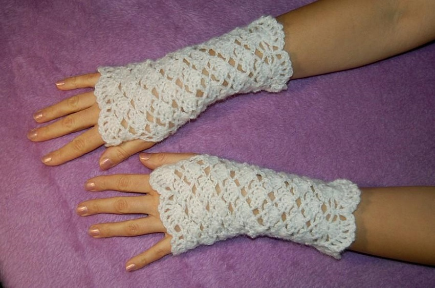 4 tips for wearing stylish wedding gloves