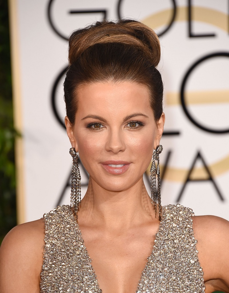 5 easy evening hairstyles