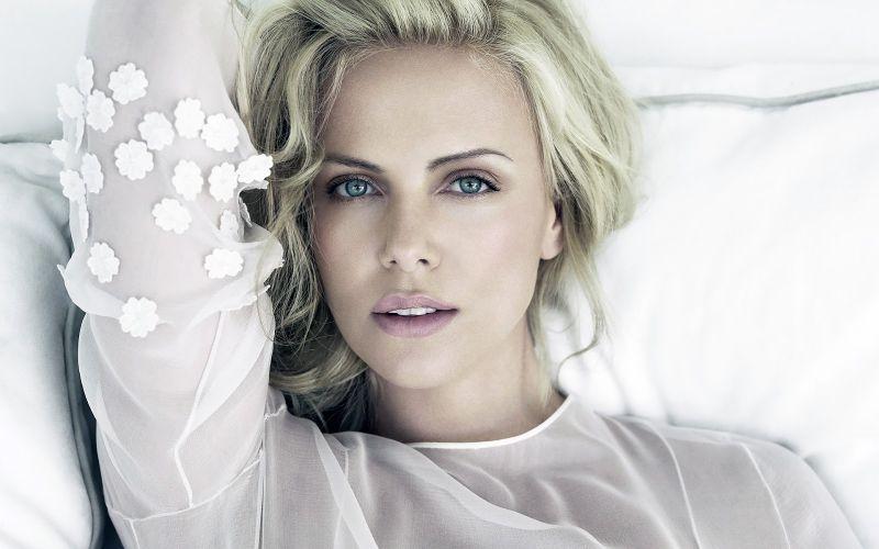 beautiful famous women